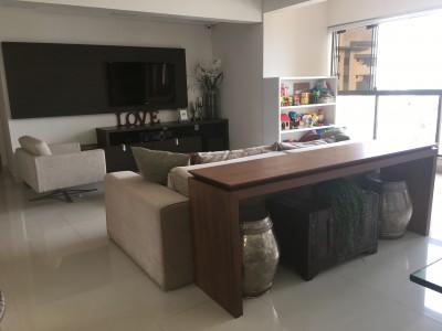 Apartamento, 3 a 4 quartos, 145 m2