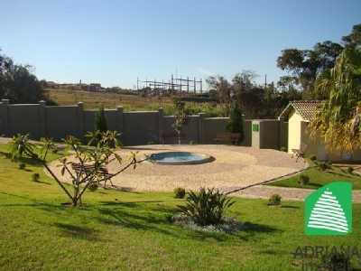 Condominio horizontal, 3 quartos, 235 m2