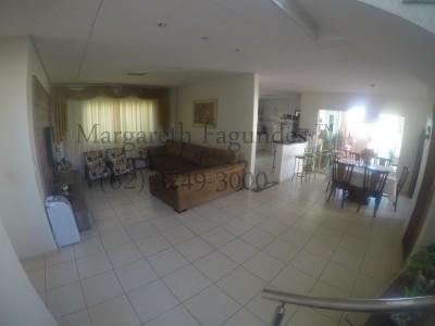 Condominio horizontal, 4 quartos, 307 m2