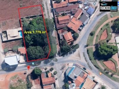 Área, 1775 m2