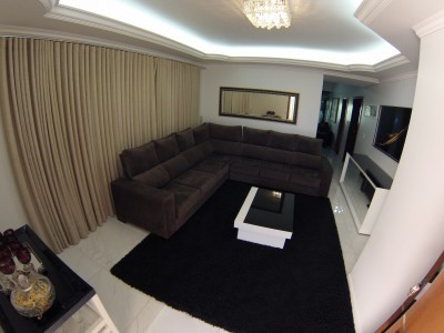 Sobrado, 3 quartos, 241 m2