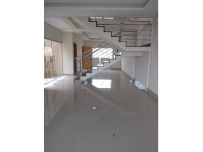 Sobrado, 4 quartos, 245 m2