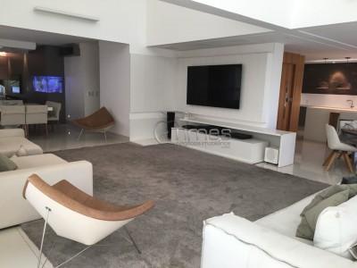 Apartamento, 3 quartos, 264 m2