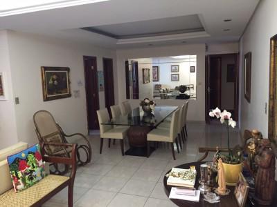 Apartamento, 5 quartos, 214 m2